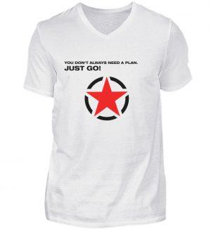 JUST GO1 Black Red Star - Herren V-Neck Shirt-3